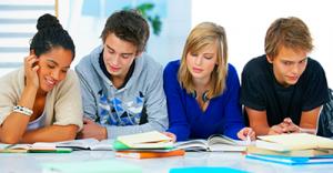 grupo-estudiando